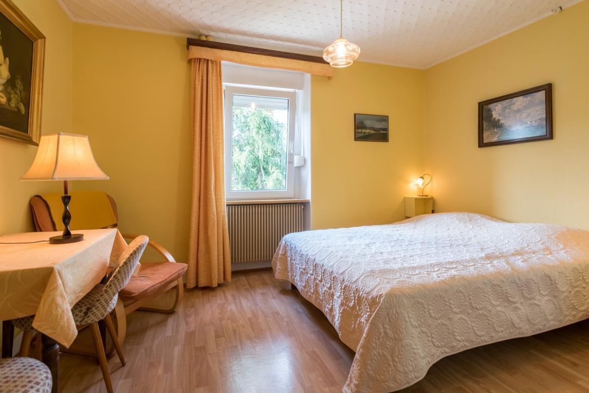 2nd floor Masterbed. MaisonBellevue_Munster-45